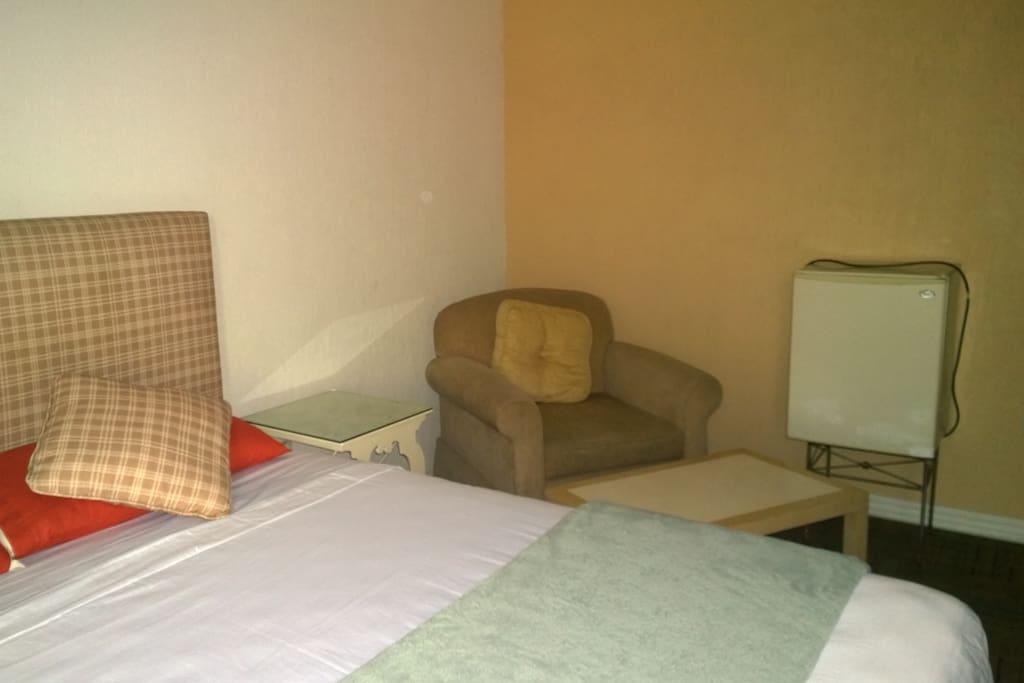 No 1 amplio cuarto con ba o in rosarito baja california for Pabellon para cama king size