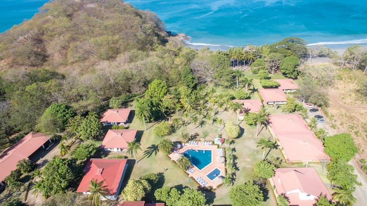 Casa Las Sirenas, beachfront 3bd