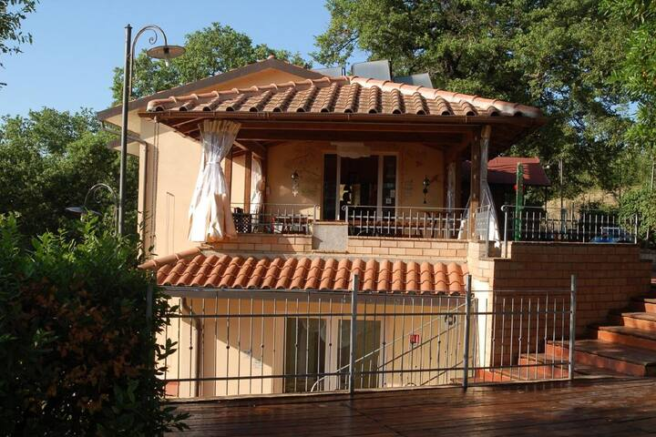 Peaceful Holiday Home in Magione with Swimming Pool