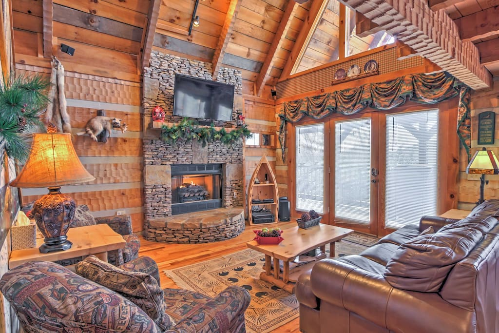 The home boasts 2,200 square feet of beautifully decorated living space.