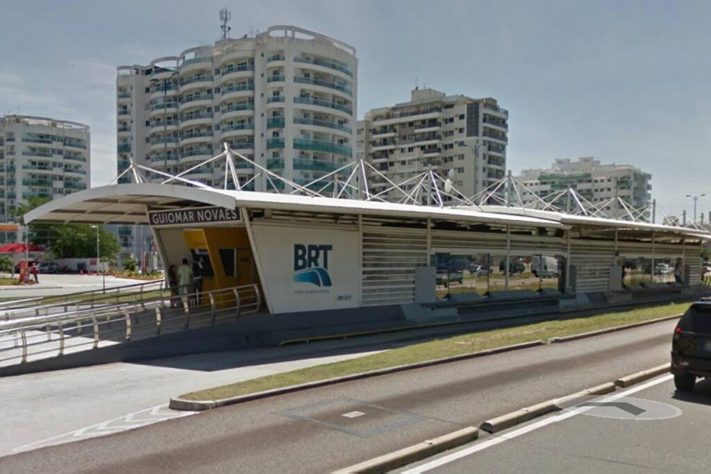 Estação de BRT à 5 minutos da residência