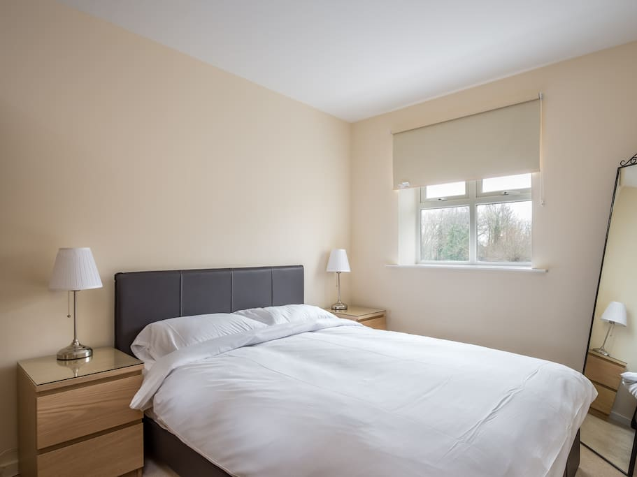 Fully Fitted Double Bedroom Wtih River View