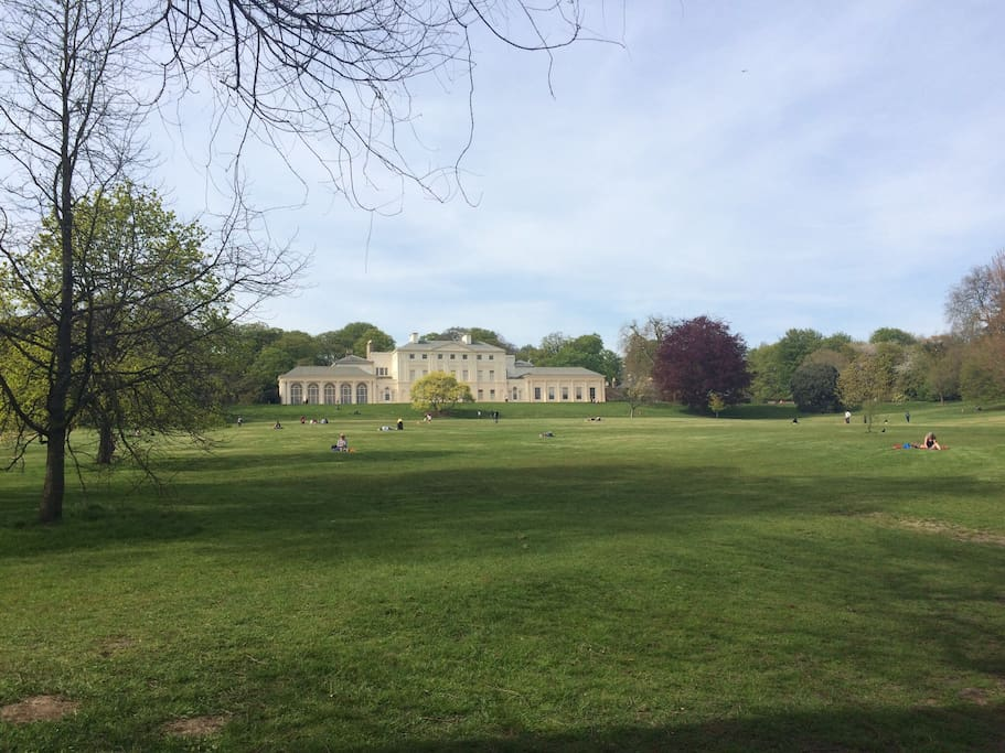 Kenwood house is a 15 min walk through the park from the house