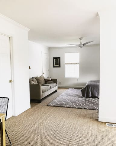 ★ Spacious, Peaceful, Private Apt in East Nash ★