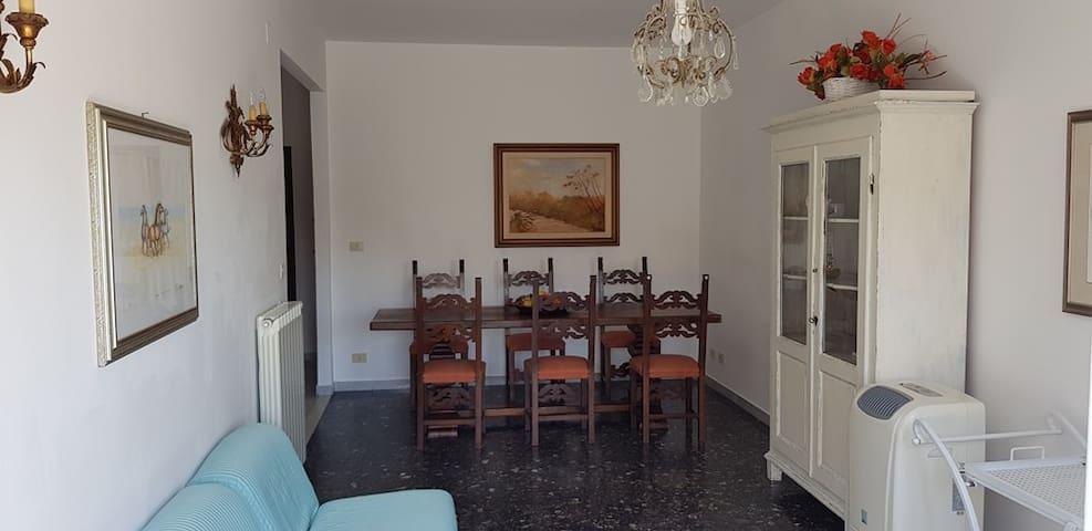 sala da pranzo, vista da balcone