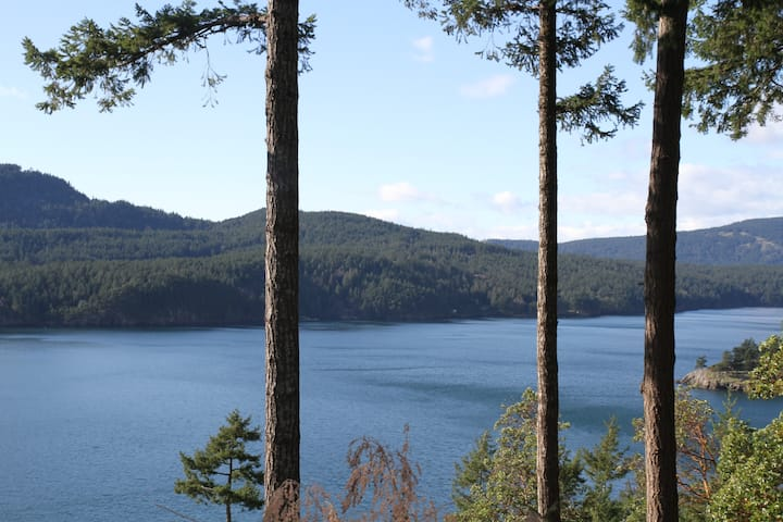 Waterview Guest Quarters near Rosario/Lake/Hikes