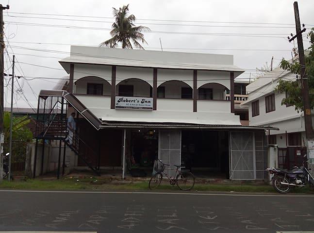 Roberts Inn - Kochi
