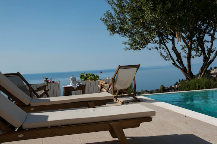 Luxurious Yades Villas - Polyxo - Amazing sea view