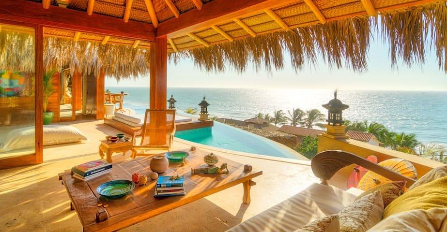 Villa Adhistana en Playa Las Pocitas de Mancora