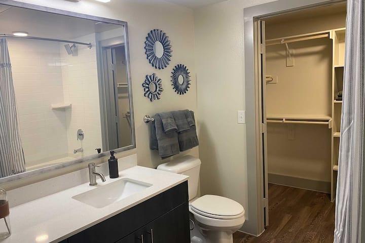New Empty apartment with appliances, heat & wifi