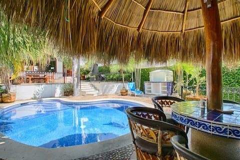 Casa Tropical para Familias a 2min de la Playa!