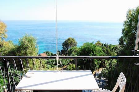 Appartamento vista mare Ventimiglia località Latte - Latte - Lägenhet