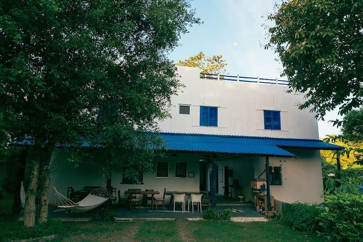 Bianca e Blu Tali Beach House