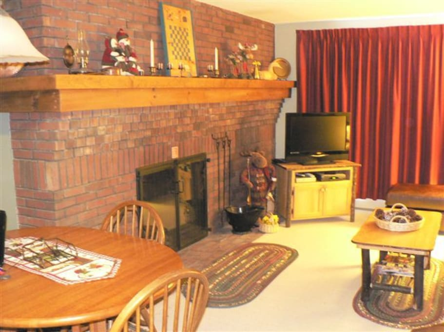 Fireplace & living area