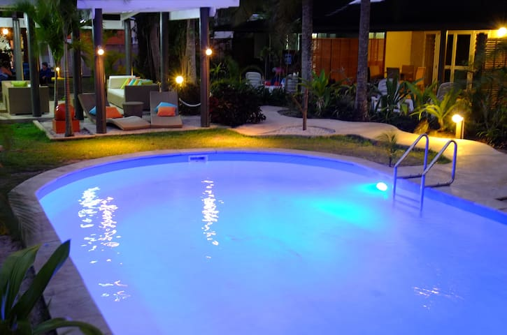 Three bedroom sleeps 6 people - Vaimaanga - Departamento