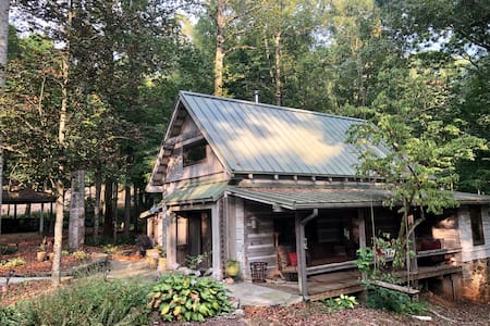 Little River Cabin in the Woods