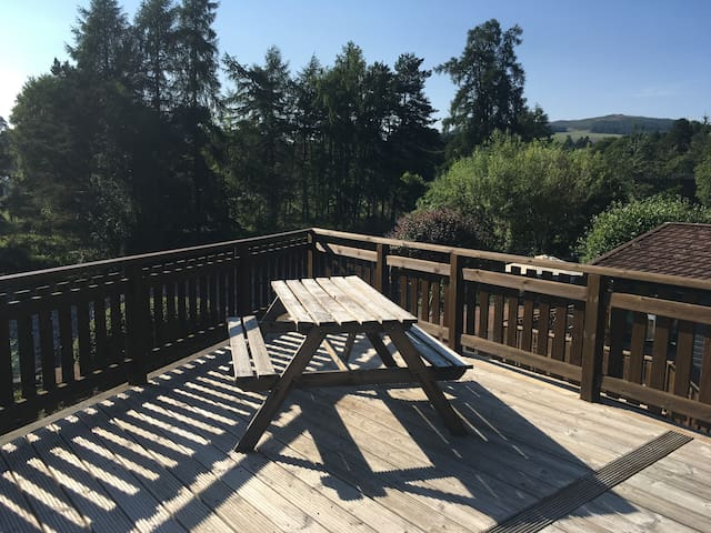 Beautiful Holiday Lodge - Stunning balcony view!