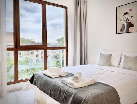 Modern Studio for 4 persons with Fast Wi-fi & Tv