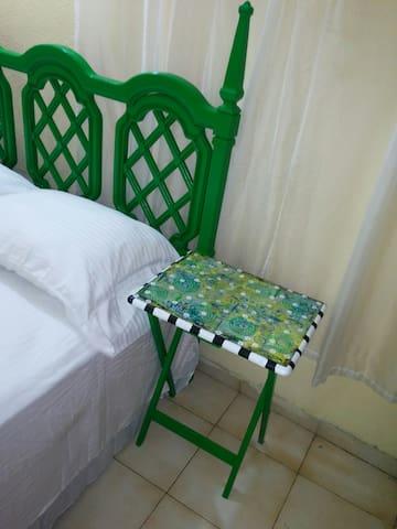 Bedroom w/ Private Bath blocks from Rue de Delmas - Port-au-Prince - Lain-lain