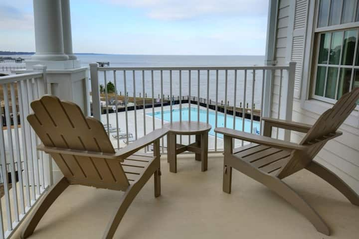 Directly on the sound! 2BDR/2BA family condo $239