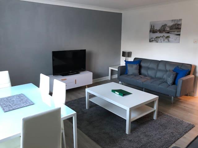 Modern amazing flat near glasgow airport & paisley