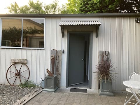 Farenden Cottage - studio in rural setting