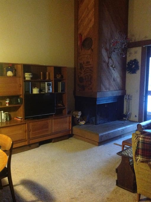 Great room with fireplace, vaulted ceilings
