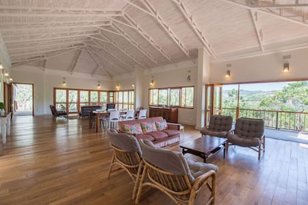 WildFig Country House, Wildlife Estate White River - White River