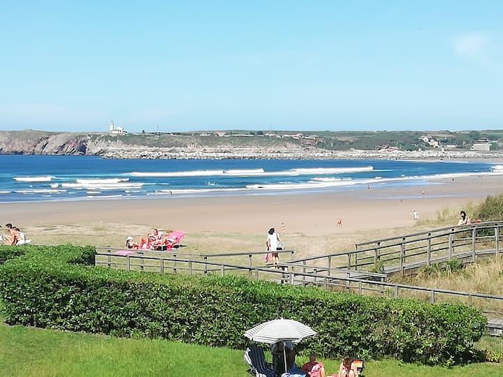 Apartamento con vistas y acceso directo playa