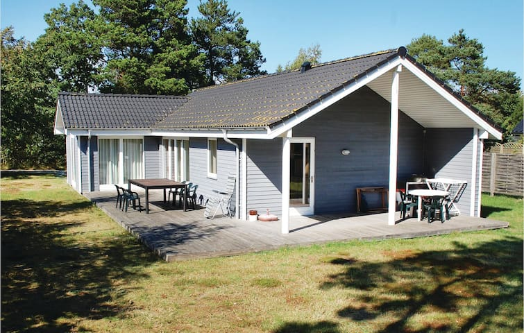 Holiday cottage with 3 bedrooms on 86m² in Knebel