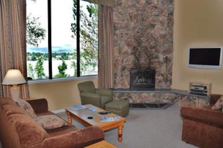 Lake Placid Club Lodges - 2BR, Loft and Fireplace