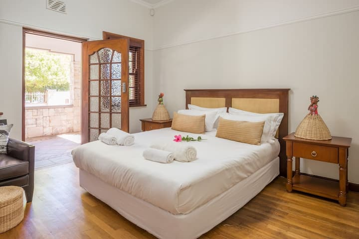 Casa Mila luxury double room in Newlands