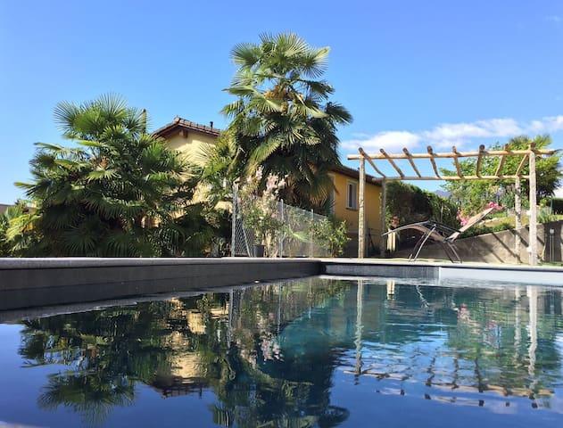 Ferienhaus mit Pool im Tessin - Minusio - Casa