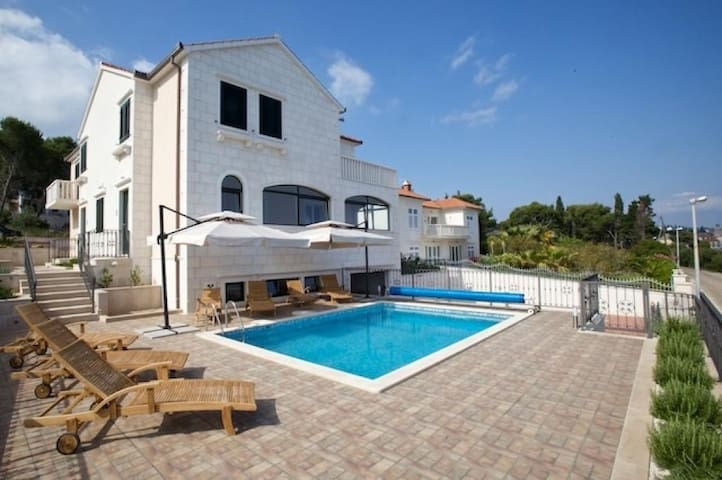 Apartments Villa Grlica - One Bedroom Apartment with Terrace and Sea View