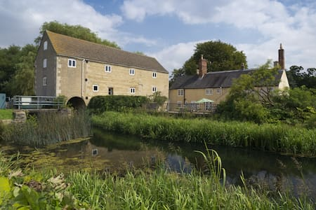 Converted 1750's Watermill - Lincolnshire - Other