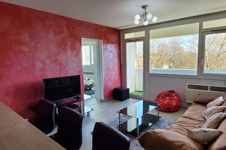 2 Bedrooms apartment next to Geneva