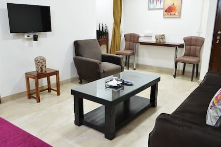 Corona sterilized 1BHK Prime Location South Delhi5