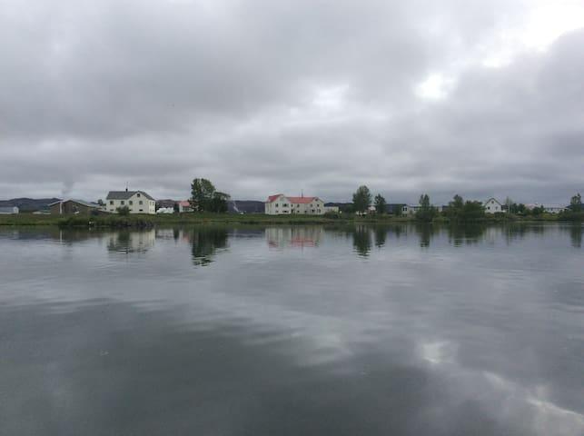 Midhus apartment by Lake Myvatn