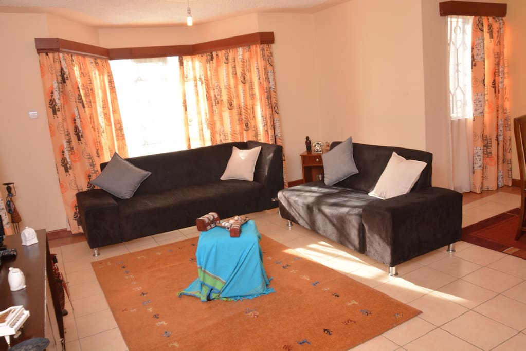 Large, well furnished sitting room