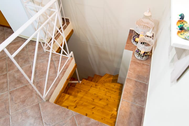 Small staircase leading from the mainly home to the bedrooms...