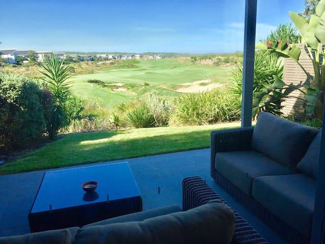 Luxury Golf Terrace - Magenta - ทาวน์เฮาส์