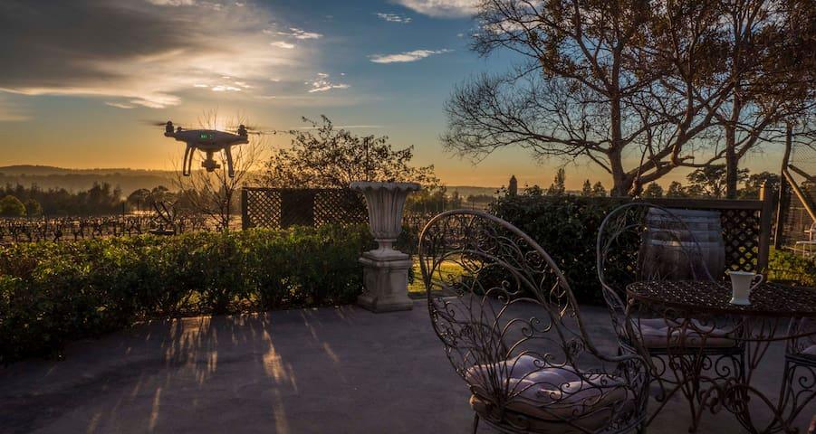 Blueberry Hill Vineyard Stay - Garden Room