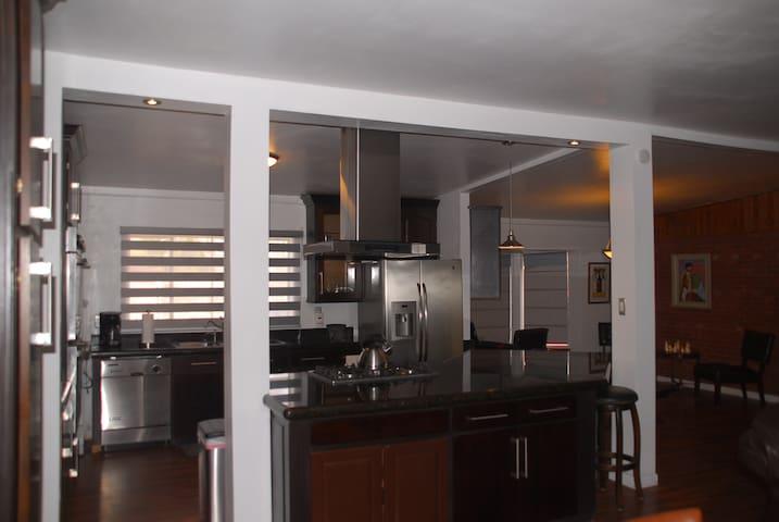UTEP/Kern Place 3-bedroom Home - เอลปาโซ