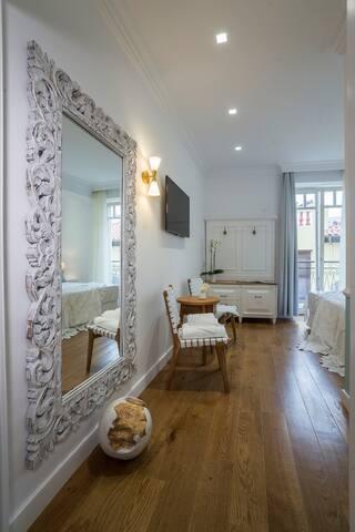 Casa Kallergi, Eva Junior Suite