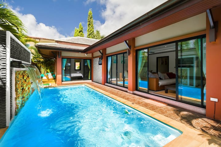 Family/group Pool Villa 3 Bedroom close to Patong
