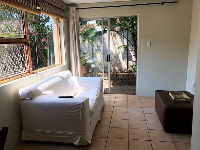 Self catering private one bedroom garden flat.