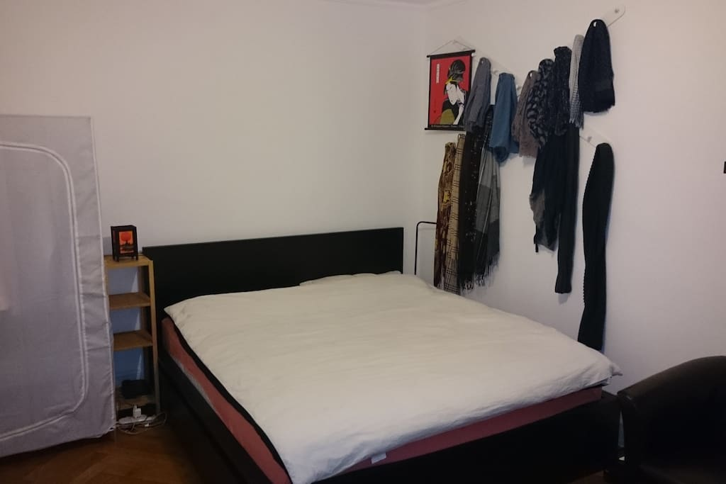 Bed king size