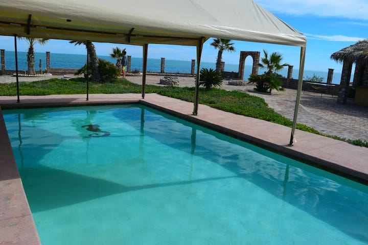 Casa Percebu by the beach with pool and Internet