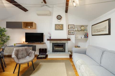 Affascinante Appartamento nella Zona Pedonale di Como