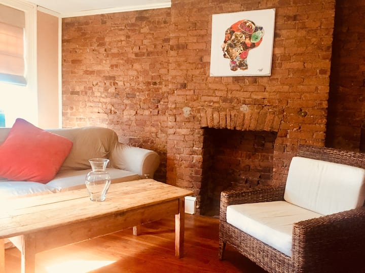 CLEAN & SAFE!  Historic Downtown 2 bed/2 bath